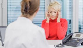 صدمات كهربائية قد تخفف ألم الصداع النصفي