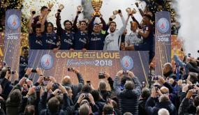 كافاني يمنح سان جيرمان كأس الرابطة الفرنسية